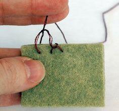 Tutorial: Hand Sew Felt Using Blanket Stitch Motifs Applique Laine, Wool Applique Patterns, Felt Applique, Spool Crafts, Felt Crafts, Sewing Crafts, Baby Crafts, Hand Sewing Projects, Felting Tutorials