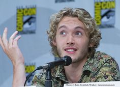 Lenswoman | The Reign panel at Comic-Con 2014. Toby Regbo...