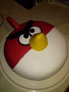 Angry birds-kakku - Leivottu syntymäpäiväkakku serkun pojalle :)
