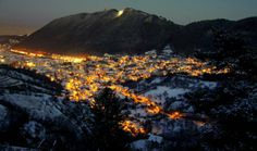 My home at Christmas time. Brasov Romania, I Love Winter, Travel Memories, Mount Rainier, Amazing, Awesome, Christmas Time, Grand Canyon, Mountains