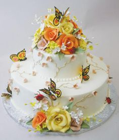 Lovely insects on a beautiful cake! :D by Konditor Meister Elegant Wedding Cakes