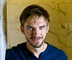 Actor Dan Stevens at the Corinthian Hotel in London. photographed by Francesco Guidicini for The Times Youtubers, Man Of Honour, Dan Stevens, Vivien Leigh, Three Kids, Attractive Men, Beauty And The Beast, Actors & Actresses, Movies