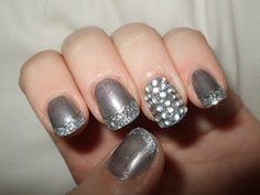 Silver nails for New Years