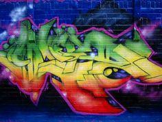 Graffiti is meestal zeer kleurrijk, vrolijk en met een diep verhaal achter. Hier zie je hoe mooi kleuren kunnen gecombineerd worden en hoe mooi iets kan worden met een paar simpele spuitbussen.