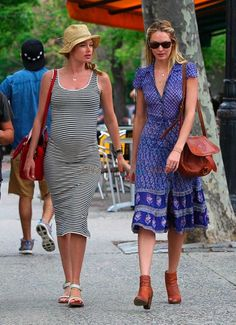 candice-swanepoel-a-pregnant-doutzen-kroes-out-in-nyc-544x750