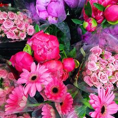 Lovely pink daisies, peonies and roses