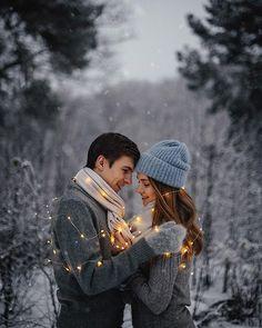 WEBSTA @kirillkalyakin С сегодняшней прогулки по зимнему лесу с Лешей и Наташей) Ребята, спасибо вам за стойкость!  Гирлянды: @mylight.ru ✨