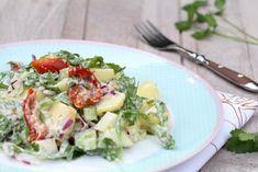 Zomerse krieltjessalade met zongedroogde tomaatjes | Summer salad with potatoes and sun dried tomatoes | Krieltjes | Patatoes | Zongedroogde tomaatjes | Sun dried tomato | Rucola | Salade | Salad | Groen | Green | Eten | Food | Gezond | Healthy | Dreambody transformation | De Levensstijl | Asja Tsachigova Sprouts, Potato Salad, Cabbage, Potatoes, Pasta, Vegetables, Ethnic Recipes, Food, Salads
