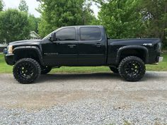 "2008 Chevy Silverado 1500 6"" lift 35x12.50R20 Nitto Mud Grapplers and Black Moto Metal Wheels..."