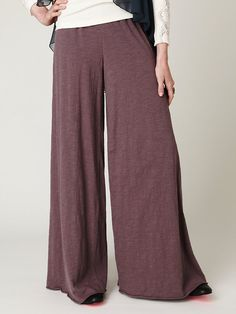 i need a pair in black. Vintage Gypsy, Boho Pants, New Wardrobe, Wide Leg Pants, Harem Pants, Free People, How To Make, How To Wear, Feminine
