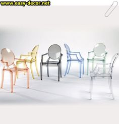 I hope to one day have these Louis Ghost chairs designed by Philippe Starck for Kartell! Philippe Starck, Chaise Ghost, Ghost Chairs, Sillas Louis Ghost, Chair Design, Furniture Design, Space Furniture, Furniture Stores, Lucite Chairs