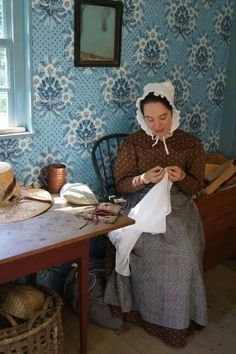 's newest building's kitchen Williamsburg Christmas, Colonial Williamsburg, Sturbridge Village, Colonial America, Museum Exhibition, The Old Days, Early American, Homemaking, New England