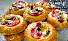 Pizza Poğaça Tarifi Sweets Recipes, Desserts, Muffin, Food And Drink, Bread, Snacks, Breakfast, Box Lunches, Pizza