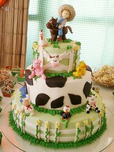 Barnyard Party, Farm Party, Mcdonalds Birthday Party, Farm Birthday Cakes, Cupcakes Decorados, Farm Cake, Horse Cake, Animal Cakes, Pretty Cakes