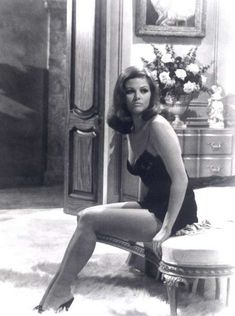Renowned Italian actress and exquisite beauty Claudia Cardinale turns 73 today. Claudia Cardinale, Classic Actresses, Beautiful Actresses, Vintage Hollywood, Classic Hollywood, Divas, Scarlett, Italian Actress, Italian Beauty