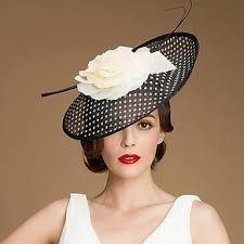 Resultado de imagen para mujeres con sombrero