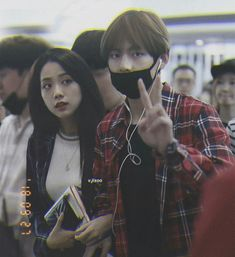 Taehyung x Jisoo Korean Couple, Best Couple, Kpop Couples, Cute Couples, Editing Pictures, Photo Editing, Bts Girl, Blackpink Memes, Blackpink And Bts