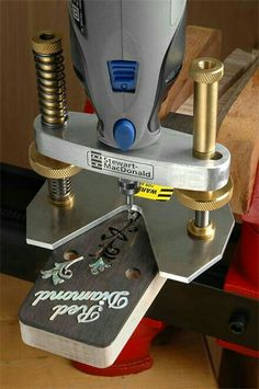 How to organize a seamless work flow in a wood shop >>> Check this useful article by going to the link at the image. Woodworking Power Tools, Woodworking Jigs, Woodworking Projects, Wood Tools, Diy Tools, Dremel Wood Carving, Dremel Accessories, Machinist Tools, Dremel Rotary Tool