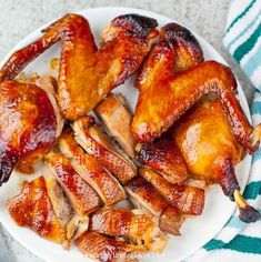 Roast Duck is popular in Chinese cuisine. This Chinese style duck recipe show you how to use oven to bake a juicy and tender duck. Roasted Duck Recipes, Roasted Meat, Roast Recipes, Top Recipes, Asian Recipes, Chicken Recipes, Dinner Recipes, Cooking Recipes, Healthy Recipes