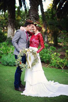vestido de casamento vermelho e branco separado