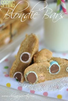 Spring Blondie Bars: delicious chewy blondies with #hershey chocolate eggs #spring #Easter www.shugarysweets.com