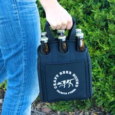 A cool beer essential for the outdoor loving beer geek.  Keeps beer cold and beer lovers happy! Color: Navy Holds six 12 oz bottles