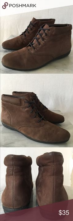 Easy Spirit lace up bootie Very unique Easy Spirit Brown Chukka Leather Suede Lace Up Ankle Boots. Excellent condition, super clean. This ultra stylish bootie is a Great combination of chic, casual sophistication and comfort! Thanks! 💋 Easy Spirit Shoes Athletic Shoes
