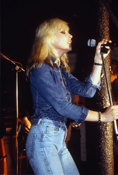 Blondie - 1978 Debbie Harry has always had an awesome fashion taste and the she takes denim seriously