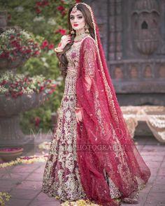 Awesome New Bridal Photoshoot of Hira Mani Bridal Mehndi Dresses, Pakistani Bridal Makeup, Asian Bridal Dresses, Pakistani Wedding Outfits, Bridal Dress Design, Bridal Outfits, Pakistani Dresses, Pakistani Clothing, Indian Bridal