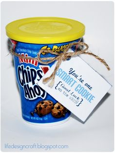 One smart cookie ...this could be really sweet for a back to school treat for a nervous little girl ;)
