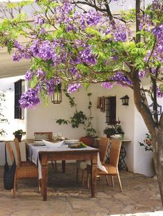outdoor living area, Don Carlos luxury vacation rental, Andalusia, Spain [via My Paradissi]