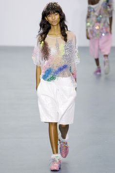 Ashish Londra - Spring Summer 2016 Ready-To-Wear - Shows - Vogue. Runway Fashion, Spring Fashion, Fashion Show, Fashion Design, Uk Fashion, London Fashion, High Fashion, Summer 2016 Trends, Spring Summer 2016
