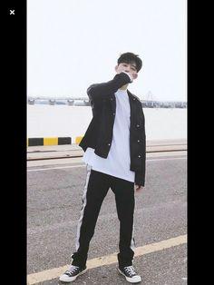 Yg Ikon, Kim Hanbin Ikon, Ikon Kpop, Chanwoo Ikon, Ikon Instagram, Pop Bands, Yg Groups, K Pop, Ikon Leader