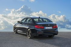 The exterior of the new BMW xDrive boldly expresses the sedan's dynamic performance capab. Bmw Suv, Bmw Cars, New Bmw 5 Series, Bmw Car Models, Tuning Bmw, Bmw Engines, Auto Motor Sport, Bmw Classic Cars, Bmw Cafe Racer