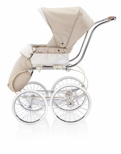 A nice stroller is fun for a sitter as well as has storage for her music as well as shopping. AAPBBMKVD show off your baby in gorgeous, sophisticated style! Pram Stroller, Baby Strollers, Jogging Stroller, Baby Kind, Baby Love, Vintage Pram, Prams And Pushchairs, Baby Buggy, Baby Prams