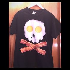 374668aa Bacon & Eggs Graphic Tee Bacon and egg skull graphic tee. Scratch & sniff  front, never worn. From a smoke free home Gildan Tops Tees - Short Sleeve
