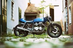 Custom Bikes, Classic Motorcycles, Cafe Racer Dreams and Mean Machines. Bmw Cafe Racer, Honda Scrambler, Motorcycle Companies, Custom Bikes, Austria, Classic, Blue, Design, Style