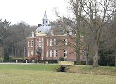Kasteel Hoekelum te Bennekom / Gelderland Nederland Manor Garden, Netherlands, Facade, Beautiful Places, Villa, Castle, Europe, Chateaus, Landscape