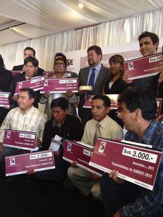 Los 22 ganadores de Emprendeideas  2012 que además de la capacitación se llevaron un capital semilla para iniciar o agrandar su emprendimiento.