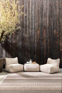 Indoor Outdoor Living, Outdoor Spaces, Outdoor Decor, Indoor Rugs, Outdoor Furniture Australia, Seaside Apartment, Garden Deco, California Homes, Easy Garden