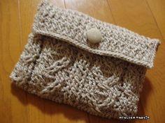 【編み図】かぎ針アラン模様の通帳ケース – かぎ針編みの無料編み図 Atelier *mati*