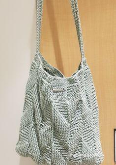 봄 대비 코바늘 숄더백 : 네이버 블로그 Crochet Clutch, Crochet Purses, Bead Crochet, Diy Crochet, Crochet Top, Knitted Baby Clothes, Knitted Bags, Crochet Stitches, Crochet Patterns
