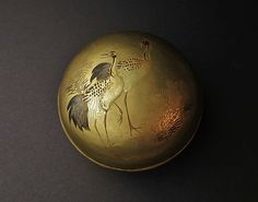 Japanese Edo period Lacquer incense box Chado, with a red crowned crane