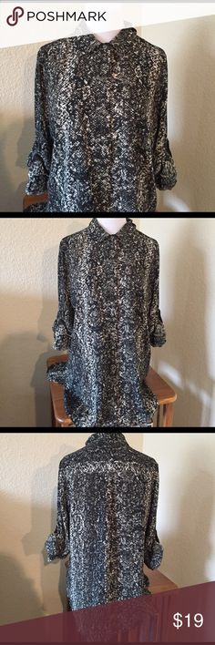 Mossimo button down shirt. NWT. Black & white sz L Black and white print button down shirt. New with tags. Size large Mossimo Supply Co Tops Button Down Shirts