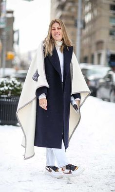 #NatalieHartley in a Loewe blanket coat and nike kicks. NYC