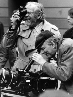 Ingmar Bergman (à droite) avec son directeur de la photographie Sven Nykvist sur le plateau de tournage de «Fanny et Alexandre» en 1981.