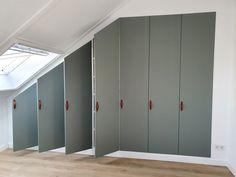 Attic Bedroom Storage, Attic Rooms, Home Bedroom, Algot Ikea, Ikea Pax Closet, Ikea Wardrobe, Build A Closet, Loft Room, Ikea Hackers