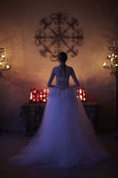http://www.vogue.com/fashion-shows/bridal-spring-2017/vera-wang/slideshow/collection