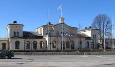 Örebro | Fil:Örebro centralstation april 2010.JPG – Wikipedia