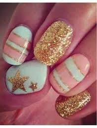 Add a little gold to your pastel manicure for a date night manicure. Tweak nailsbydesign_'s manicure . Gold Nails, White Nails, Glitter Nails, Gold Glitter, Sparkly Nails, Glitter Stars, Prom Nails, Nail Art Stripes, Striped Nails